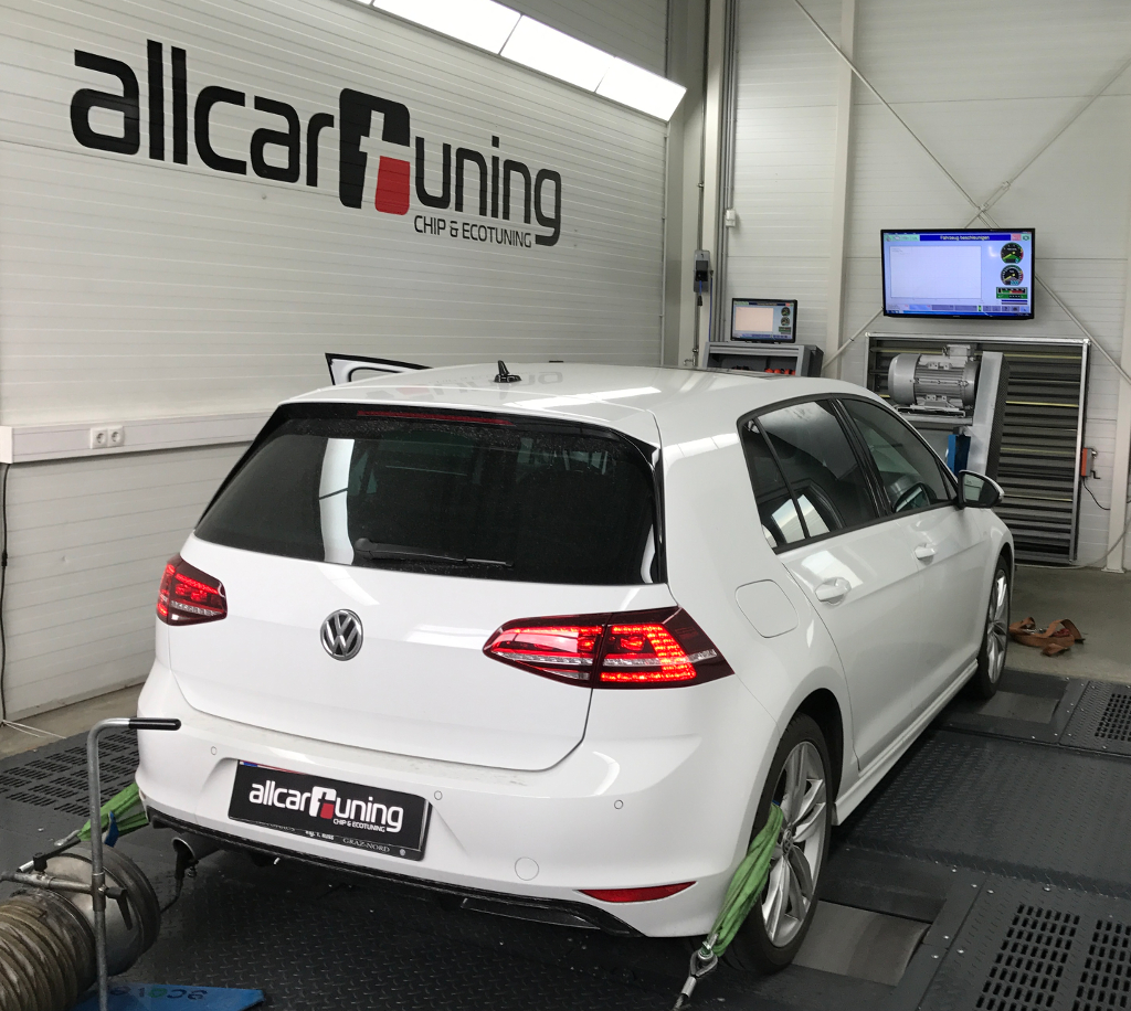 [Translate to Englisch:] VW_Golf_VII_back_dyno