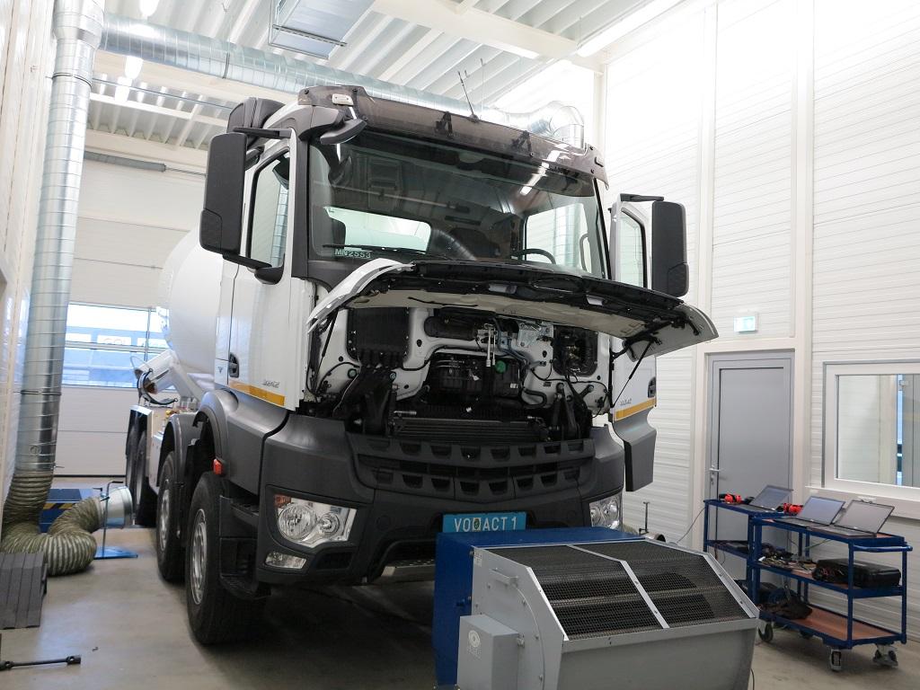 Mercedes Arocs 3242 Euro 6 getunt über Software<